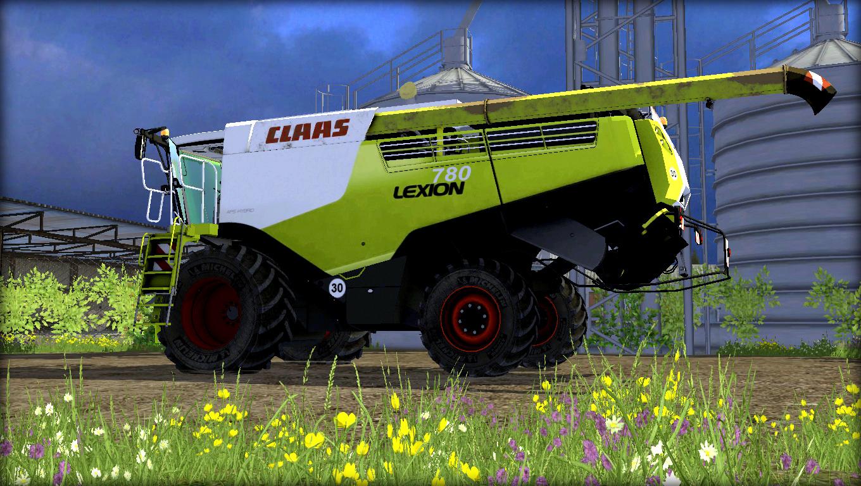 CLAAS LEXION 780 Combine